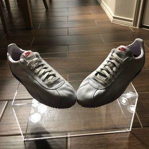 Men Nike athletic shoes size 13 new